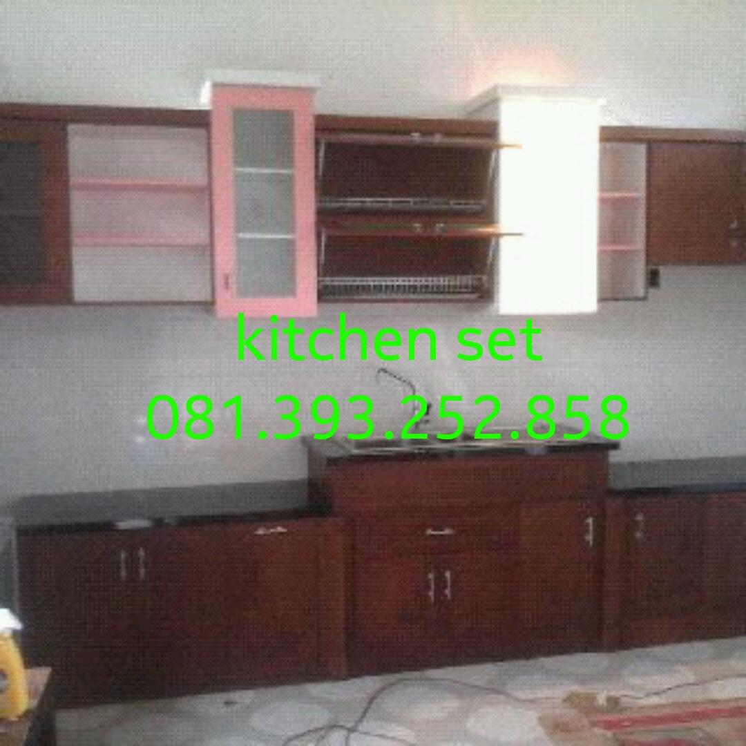 Kitchen set kayu minimalis murah area jogja mbarepjati for Kitchen set yang bisa dipindah